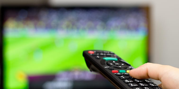 Choosing the Best Big Screen TV for the Game