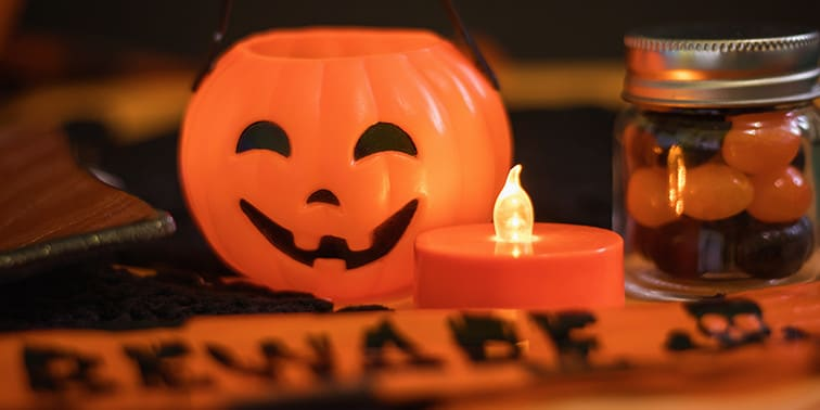 8 Fun DIY Halloween Office Decorations