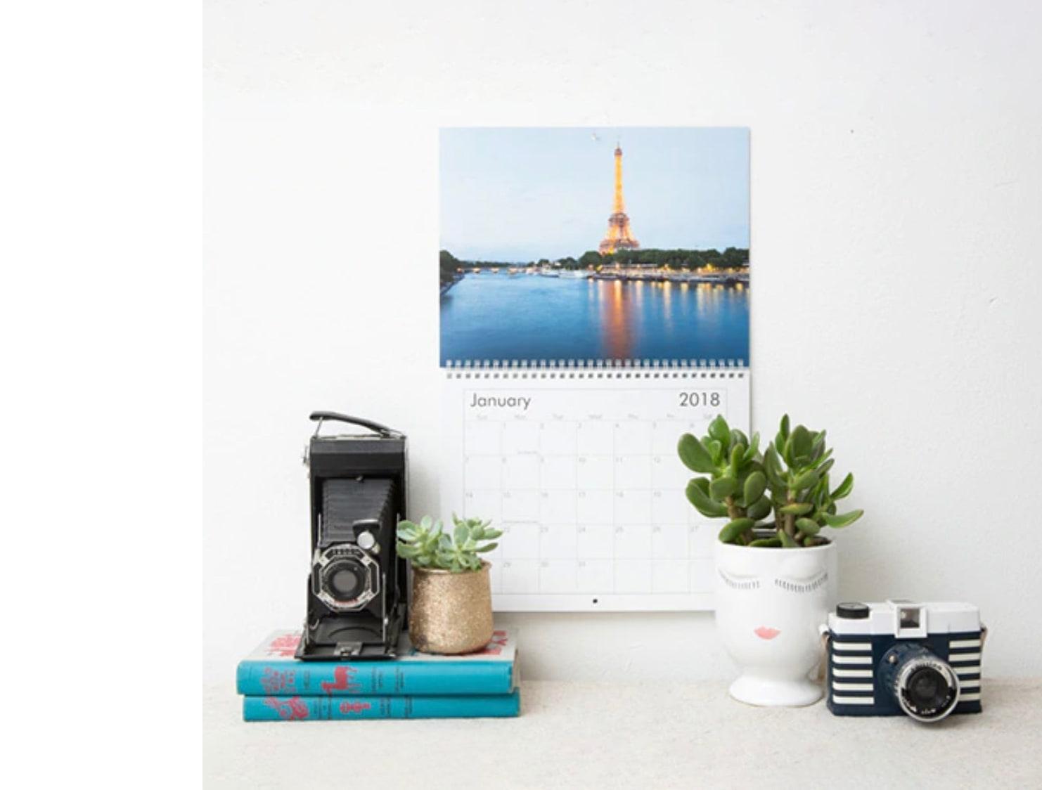 Custom printed calendar with desk accessories
