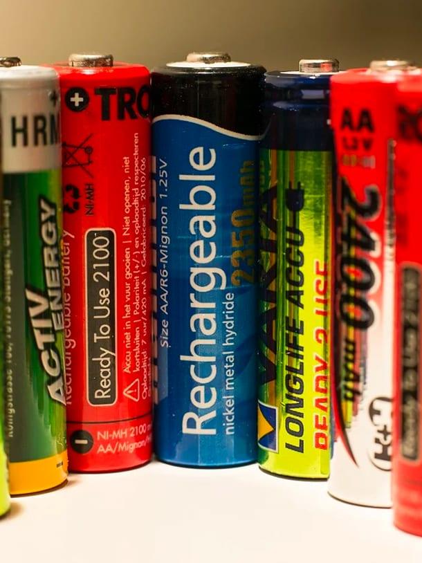 2220_emergency-prep_610x814_maintaining-kit