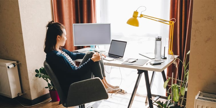 Sit Comfortably: How to Choose a Chair for Your Home Office