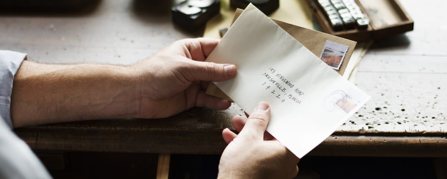 How to Address an Envelope for 8 Different Cases and Occasions
