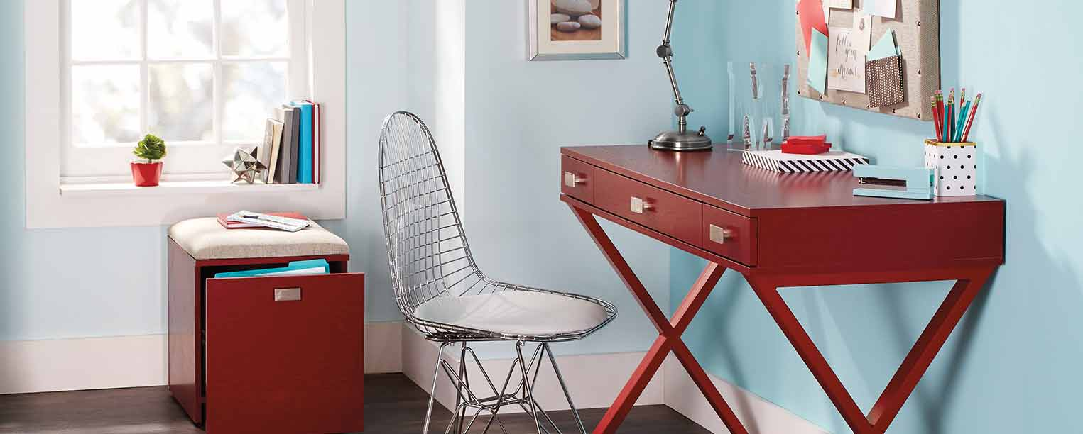 Double Duty: Blending a Guest Room With a Small Home Office