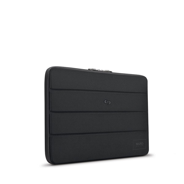 Solo Bond Sleeve For 15.6  Laptops, Black