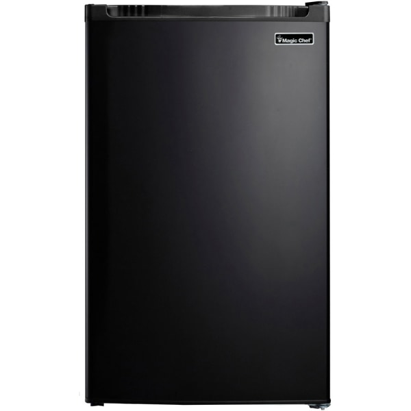 Magic Chef 4.4 cu. ft. Mini Refrigerator - 4.40 ft - 4.40 ft Net Refrigerator Capacity - Black - Glass Shelf
