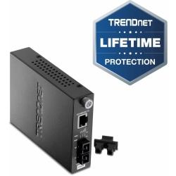 TRENDnet Intelligent 10/100Base-TX to 100Base-FX Single Mode SC Fiber Media Converter (15Km/9.3 Miles) Auto-Negotiation; Full-Duplex Mode; Fiber to Ethernet Converter; Lifetime Protection; TFC-110S15i - 10/100Base-TX to 100Base-FX Fiber Converter (15km)